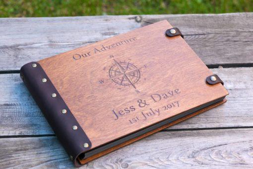 Gästebuch Hochzeit aus Holz mit Gravur - Adventure