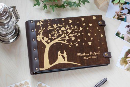 Gästebuch Hochzeit aus Holz mit Gravur - Herzensbaum
