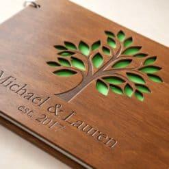 Gästebuch Hochzeit aus Holz mit Gravur - Blätter