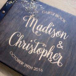 Gästebuch Hochzeit aus Holz mit Gravur - Dark Wood