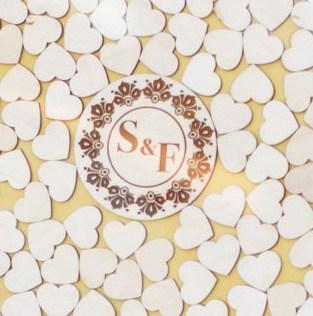 Gästebuch zur Hochzeit als Bilderrahmen mit 3D-Herzen - Kugel