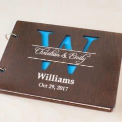 Gästebuch Hochzeit aus Holz mit Gravur - Buchstabenfenster