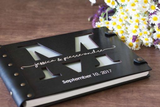 Gästebuch Hochzeit aus Holz mit Gravur - Letter dunkel