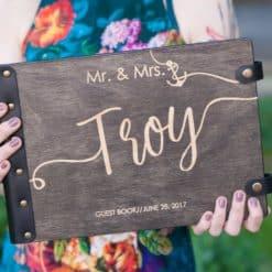 Gästebuch Hochzeit aus Holz mit Gravur - Dark Oldschool