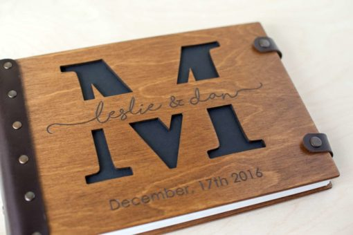 Gästebuch Hochzeit aus Holz mit Gravur - Letter hell