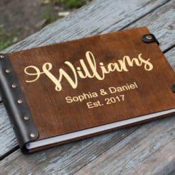Gästebuch Hochzeit aus Holz mit Gravur - Classico