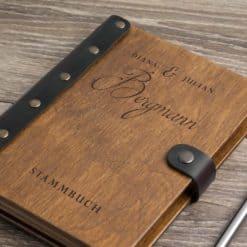 Stammbuch aus Holz mit Gravur - Vintage