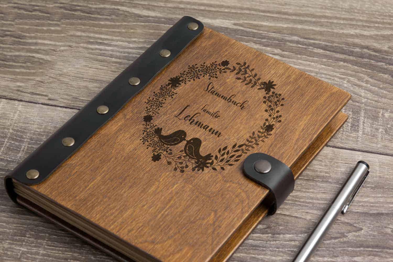 Stammbuch aus Holz mit Gravur - Vögelchen