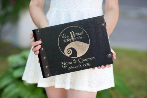 Gästebuch Hochzeit aus Holz mit Gravur - Welle